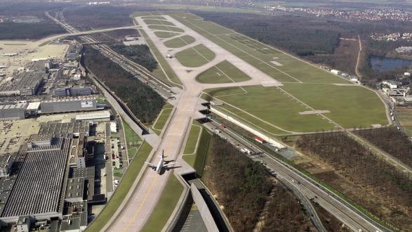Versickerungsanlage für Flugebetriebsflächen , Frankfurt